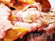 Задушени свински карета с ябълки, праз и червено вино